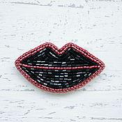 Украшения ручной работы. Ярмарка Мастеров - ручная работа Брошь губы Брошь из бисера вышитая Брошь `Kiss-Kiss Drama Queen`. Handmade.