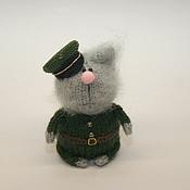 """Куклы и игрушки ручной работы. Ярмарка Мастеров - ручная работа Вязаный кот """"Настоящий полковник"""". Handmade."""