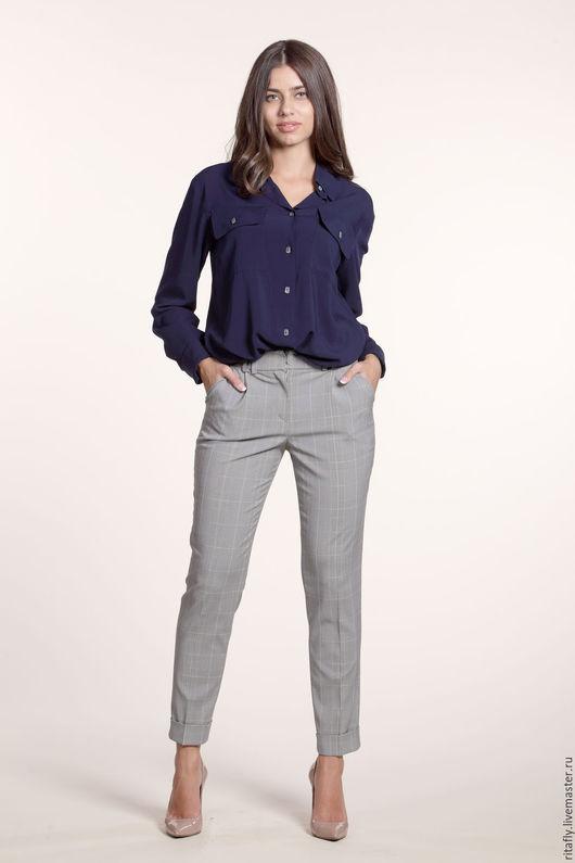 женские укороченные брюки из костюмной шерсти. Можно заказать с пиджаком и получится отличный деловой женский брючный костюм. Пиджак женский классический на подкладке.