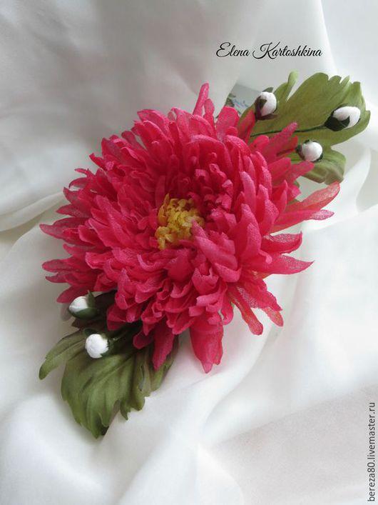 Заколки ручной работы. Ярмарка Мастеров - ручная работа. Купить Брошь-заколка цветок хризантема из шелка. Заколка с цветком. Подарок.. Handmade.