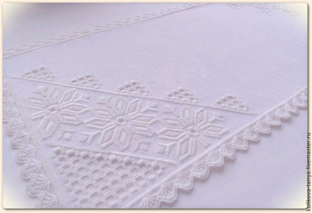 Вышитая салфетка дорожка на стол с ручной вышивкой праздничное украшение стола хороший подарок для красивого уютного дома