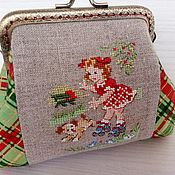 Сумки и аксессуары handmade. Livemaster - original item Cosmetic bag with Clasp embroidery on linen roller Girl. Handmade.