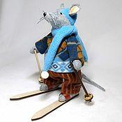 Мягкие игрушки ручной работы. Ярмарка Мастеров - ручная работа Мышь лыжник. Handmade.