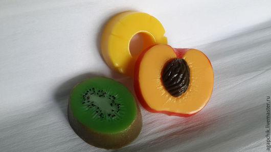 """Мыло ручной работы. Ярмарка Мастеров - ручная работа. Купить Мыло""""Фруктовое ассорти"""". Handmade. Разноцветный, киви, сочный, мыло в подарок"""