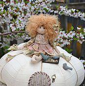 """Куклы и игрушки ручной работы. Ярмарка Мастеров - ручная работа """"Весна на тыкве"""", интерьерная композиция. Handmade."""