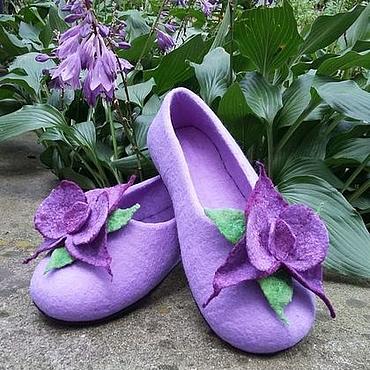 Обувь ручной работы. Ярмарка Мастеров - ручная работа Сиреневые тапочки валяные с орхидеей. Handmade.