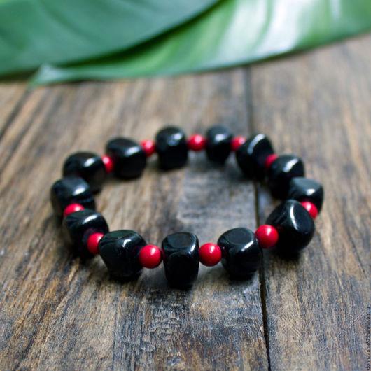 Браслеты ручной работы. Ярмарка Мастеров - ручная работа. Купить Браслет «Black and Red» из тонированного агата и коралла. Handmade.