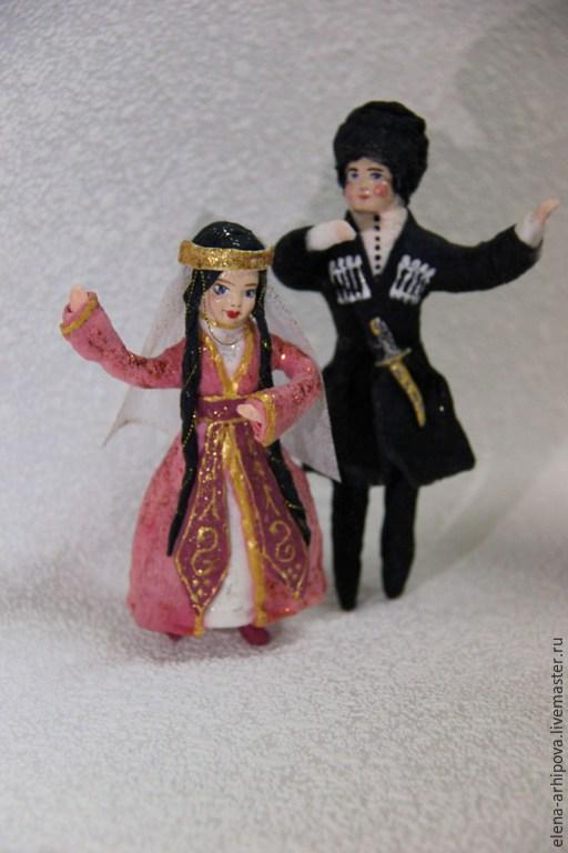 """Человечки ручной работы. Ярмарка Мастеров - ручная работа. Купить Ёлочные игрушки из ваты """"Танец"""". Handmade. Разноцветный, елена архипова"""