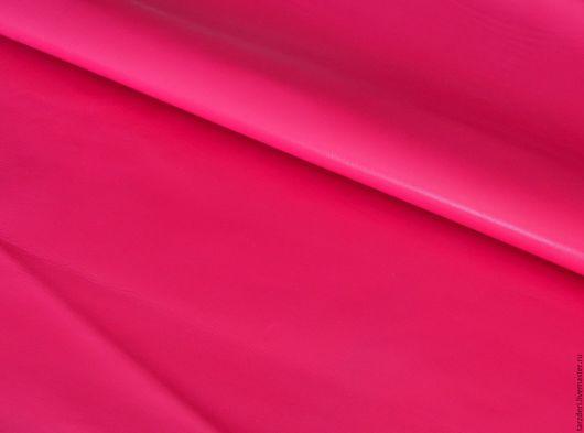Шитье ручной работы. Ярмарка Мастеров - ручная работа. Купить Плотная натуральная кожа 1,1 мм - Розовая фуксия. Handmade.