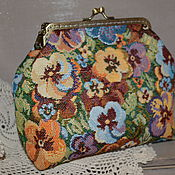 Сумки и аксессуары handmade. Livemaster - original item Handbag beautician on the clasp. Pansy. Handmade.