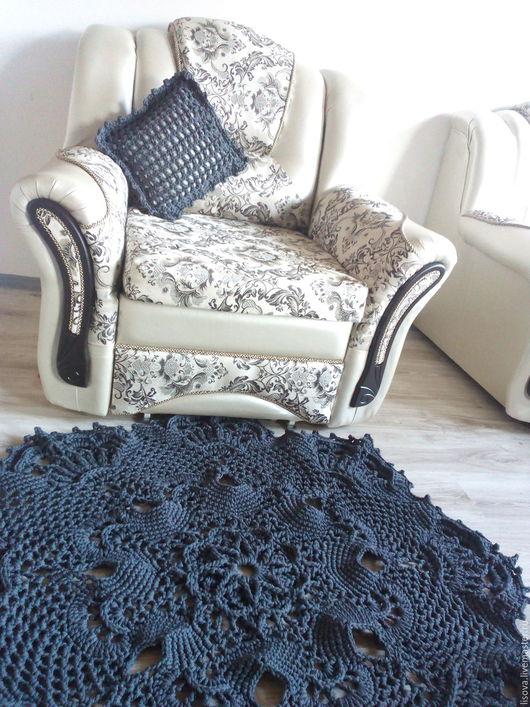 """Текстиль, ковры ручной работы. Ярмарка Мастеров - ручная работа. Купить Ковёр """"Нежный"""". Handmade. Темно-серый, вязаный ковер"""