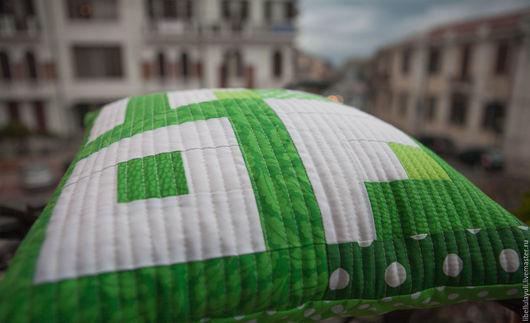 """Текстиль, ковры ручной работы. Ярмарка Мастеров - ручная работа. Купить Лоскутная наволочка """"Зеленая"""". Handmade. Подушка, диванная подушка"""