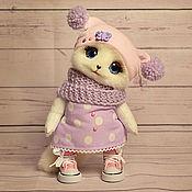 Куклы и игрушки ручной работы. Ярмарка Мастеров - ручная работа Кошечка в шапочке. Handmade.