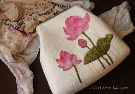 Женские сумки двух цветов