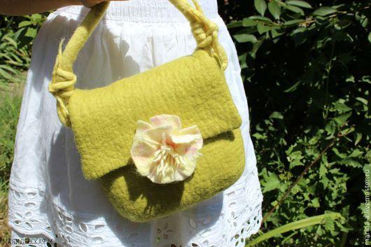 Женские сумки ручной работы. Ярмарка Мастеров - ручная работа. Купить Летняя сумка нежно-лимонного цвета. Handmade. Салатовый