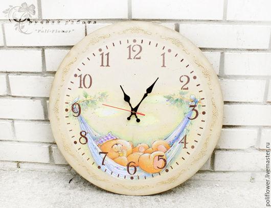 Часы диаметром 50 см.