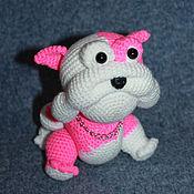 Куклы и игрушки ручной работы. Ярмарка Мастеров - ручная работа Бульдог. Собака вязаная. Розовый. Handmade.