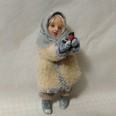 Куклы и игрушки ручной работы. Ярмарка Мастеров - ручная работа Ёлочная игрушка кукла девочка и снегирь. Handmade.