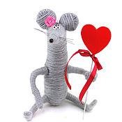 Куклы и игрушки ручной работы. Ярмарка Мастеров - ручная работа игрушка Мышка и сердце (день всех влюбленных, подарок). Handmade.