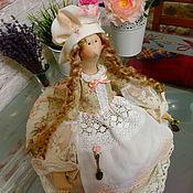 Куклы и игрушки ручной работы. Ярмарка Мастеров - ручная работа Кукла грелка  на чайник в стиле Тильда. Handmade.
