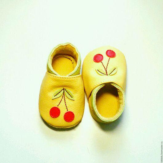 Детская обувь ручной работы. Ярмарка Мастеров - ручная работа. Купить Пинетки, чешки, мокасины Вишенки. Handmade.