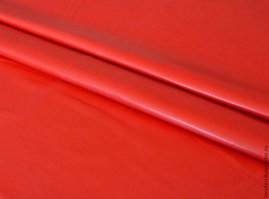 Шитье ручной работы. Ярмарка Мастеров - ручная работа. Купить Натуральная кожа тонкая Красная 0,5 мм. Handmade.