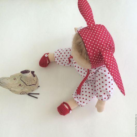 Вальдорфская игрушка ручной работы. Ярмарка Мастеров - ручная работа. Купить Кукла вальдорфская в пришивном комбинезоне Зайка. Handmade.