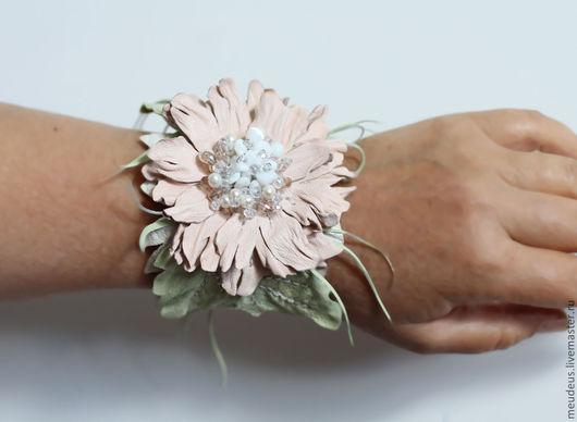 браслет с цветком для свадьбы