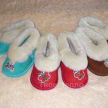 Обувь ручной работы. Ярмарка Мастеров - ручная работа Тапочки: Детские тапочки из натуральной овчины. Handmade.