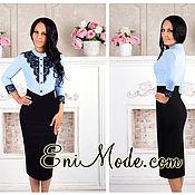 Чёрно-голубое платье-футляр, декорированное изящным кружевом