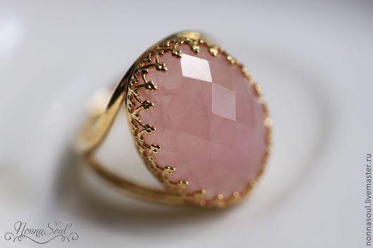 Кольца ручной работы. Ярмарка Мастеров - ручная работа. Купить Овальное кольцо с граненным розовым кварцем. Handmade. Розовый
