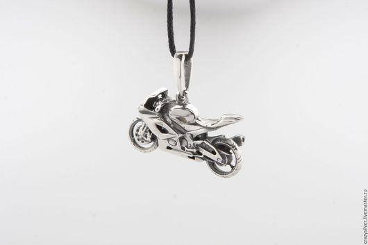 Мотоцикл Suzuki GXS-R.  CRAZY SILVER ™  Кулон ручной работы из серебра 925, максимальная детализация, масштабная копия спортбайка Suzuki GXS-R.
