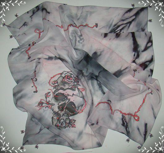 """Шарфы и шарфики ручной работы. Ярмарка Мастеров - ручная работа. Купить Шелковый платок """"Любовь и смерть"""" батик. Handmade. Серый"""