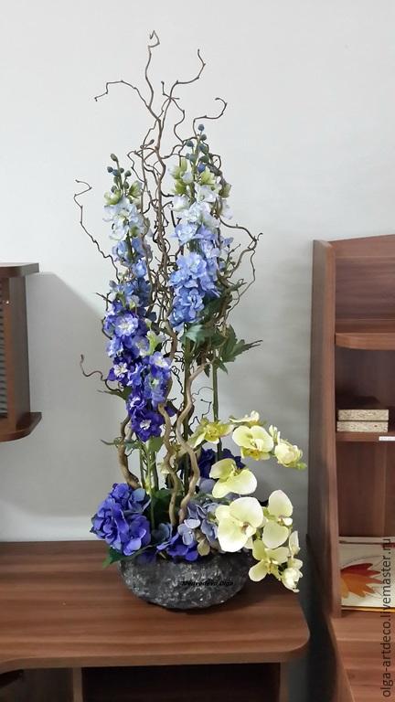 Фото композиций с искусственных цветов в вазе