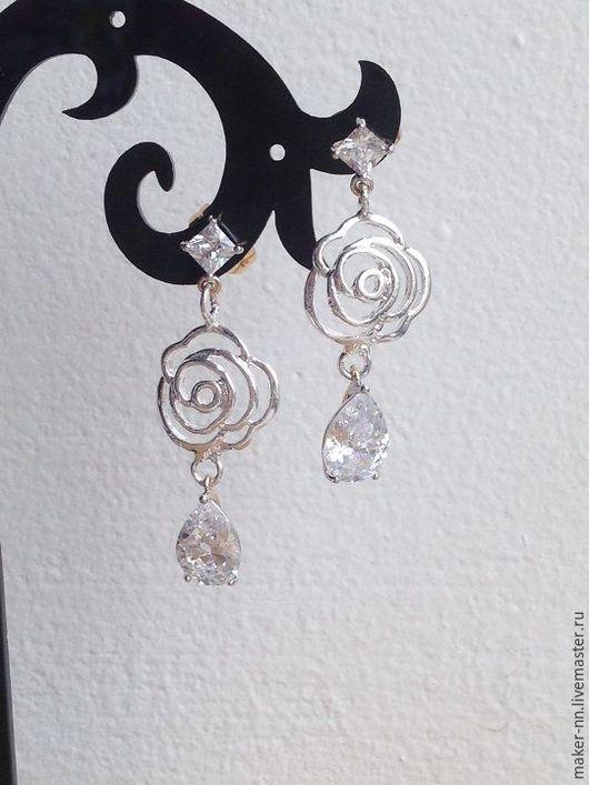 """Серьги ручной работы. Ярмарка Мастеров - ручная работа. Купить Серебряные серьги """"Белые розы). Handmade. Белый, серьги с кристаллами"""