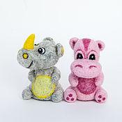 Куклы и игрушки ручной работы. Ярмарка Мастеров - ручная работа Бегемот и носорог - пальчиковые игрушки. Handmade.