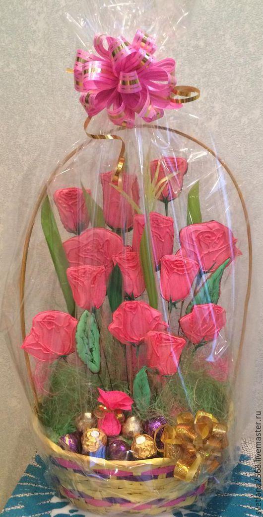 """Кулинарные сувениры ручной работы. Ярмарка Мастеров - ручная работа. Купить Букет цветов из пряников. Корзина к празднику  """"Розы для любимой"""". Handmade."""