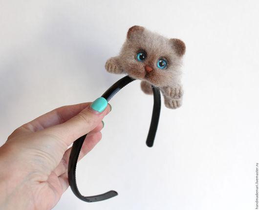 Диадемы, обручи ручной работы. Ярмарка Мастеров - ручная работа. Купить Ободок с бежевым котиком. Handmade. Бежевый, ободок с котом