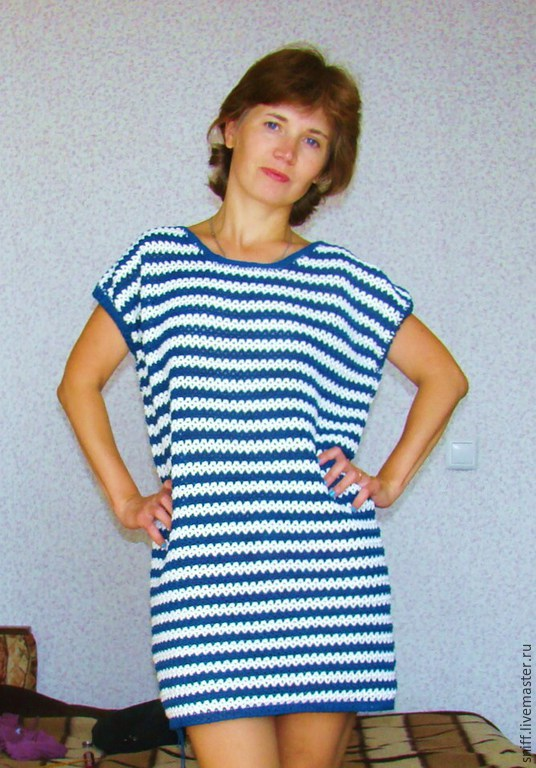 7b543b638cef43f Вязаное платье-тельняшка