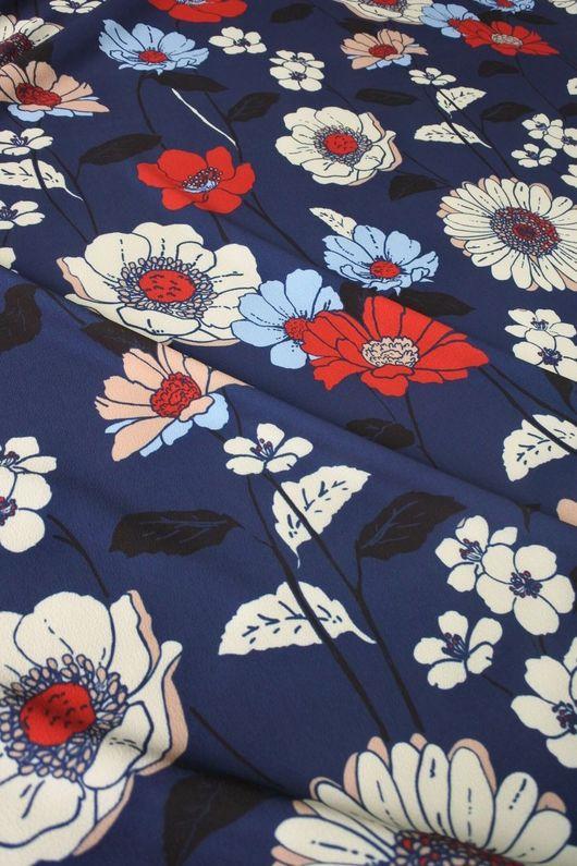 """Шитье ручной работы. Ярмарка Мастеров - ручная работа. Купить Плательно-блузочная """"Цветы и ромашки на синем фоне"""". Handmade."""