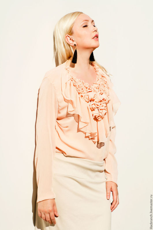 """Блузки ручной работы. Ярмарка Мастеров - ручная работа. Купить Блуза """"Сиреневый Рай"""" в пудровом цвете.. Handmade. Бежевый, пудровый"""
