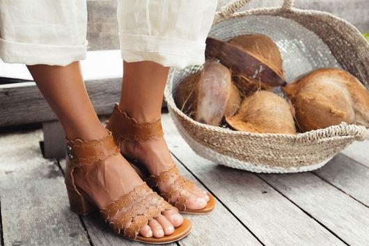 Обувь ручной работы. Ярмарка Мастеров - ручная работа. Купить Seaside. Кружевные кожаные босоножки на невысоком каблуке.. Handmade. Коричневый