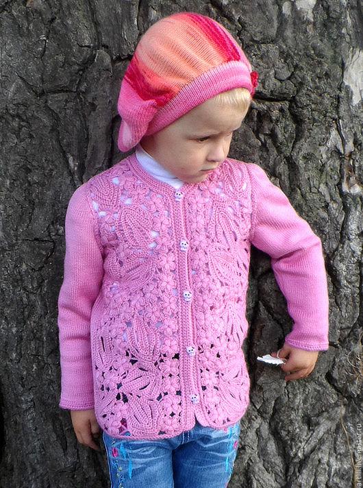 """Одежда для девочек, ручной работы. Ярмарка Мастеров - ручная работа. Купить вязаная детская кофта """" Модница"""". Handmade. Розовый"""