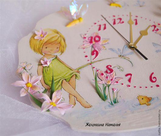 """Часы для дома ручной работы. Ярмарка Мастеров - ручная работа. Купить Часы """"Девочка со стрекозами"""". Handmade. Белый, Декупаж"""