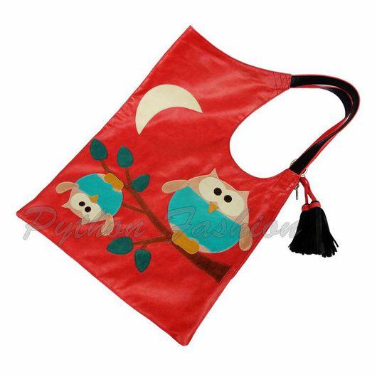 Красная сумка на плечо из мягкой натуральной кожи,  аппликация совы. Дизайнерская удобная сумка ручной работы на каждый день, яркий аксессуар. Абсолютный хит продаж, новая осенняя коллекция, на заказ