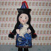 Куклы и игрушки ручной работы. Ярмарка Мастеров - ручная работа Кукла интерьерная текстильная Сэсэг в бурятском национальном костюме. Handmade.