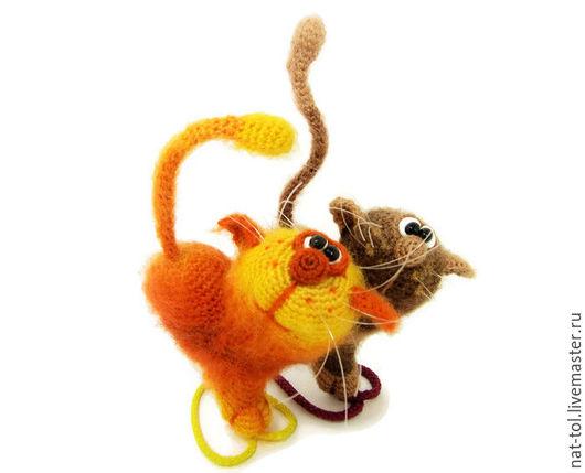 Подарки для влюбленных ручной работы. Ярмарка Мастеров - ручная работа. Купить Подарок на день святого Валентина игрушка котики коричневая оранжевая. Handmade.