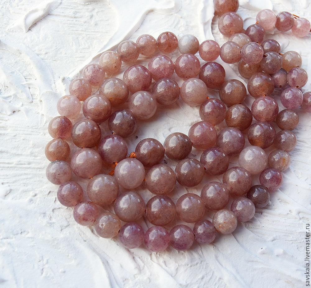 Бусины натуральный камень Солнечный камень Лучистый блеск солнечного камня обусловлен наличием в кристалле гематитовых включений.