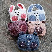 Украшения ручной работы. Ярмарка Мастеров - ручная работа Брошки - мишки, зайцы,  кошки. Handmade.