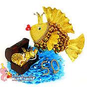 Сувениры и подарки ручной работы. Ярмарка Мастеров - ручная работа Подарок мужчине на 50 лет Золотая рыбка из конфет. Handmade.